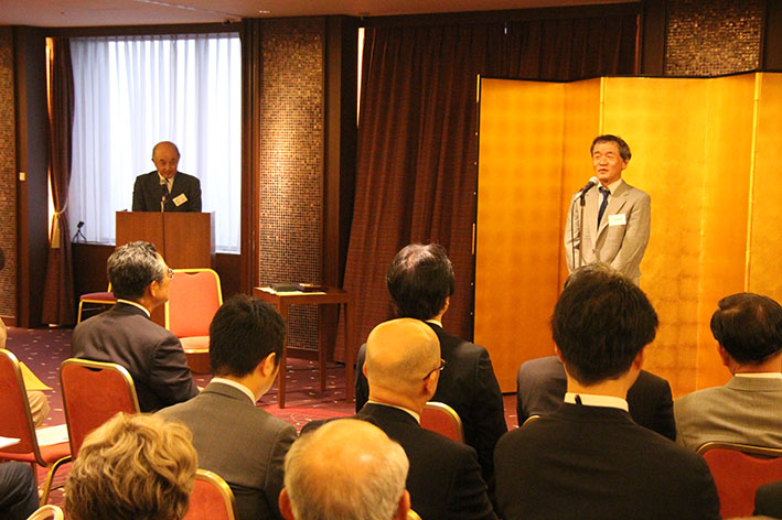 prof_ueda_award_presentation